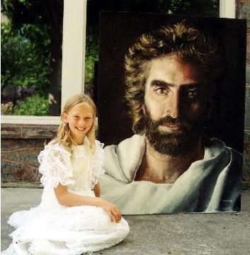 Akiane Kramarik con su Prince Of Peace a la edad de 8 años, cuando lo pintó