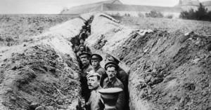Soldados en una trinchera durante la I Guerra Mundial
